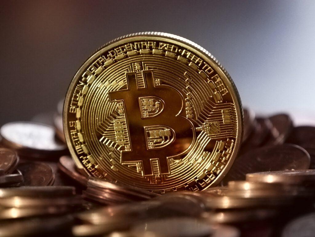 ราคา bitcoin เริ่มฟื้น แต่ราคาทองคำยืนเหนือ $1790 ไม่ได้