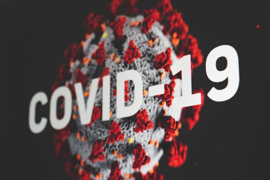 วันนี้มีผู้ติดเชื้อ COVID-19 รายใหม่ทะลุครึ่งหมื่น