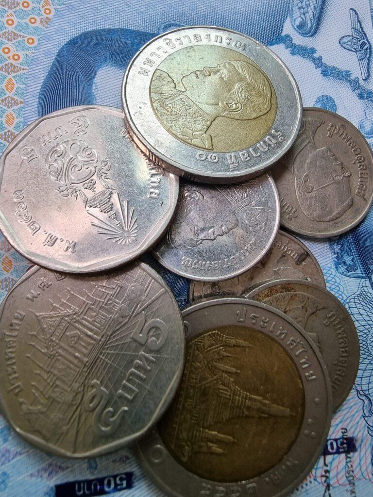 คาดเงินบาทวันนี้ยังอ่อนค่าได้อีก หนุนราคาทองคำในประเทศอีกแรง